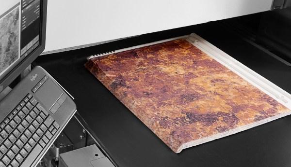 TEJAS BORJA 的革命性創舉-將噴墨上色技術運用於瓦片